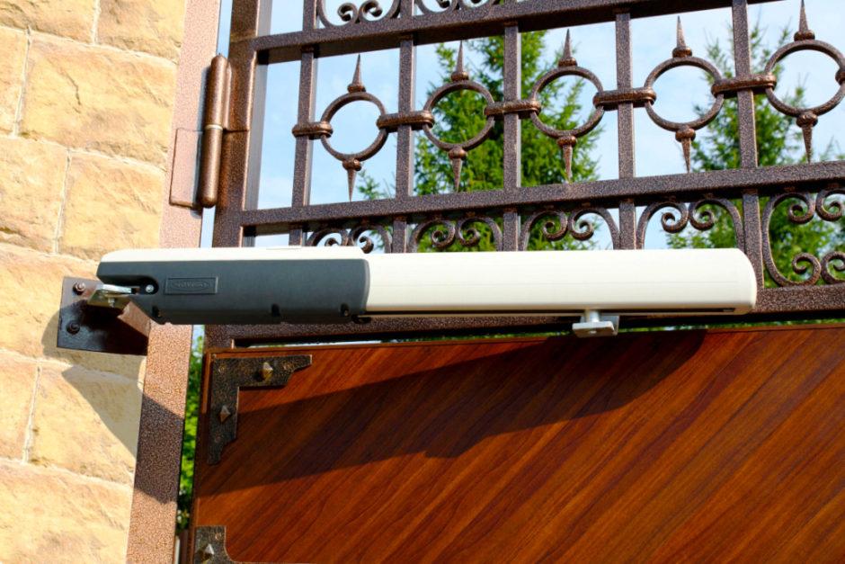Автоматический привод для распашных ворот