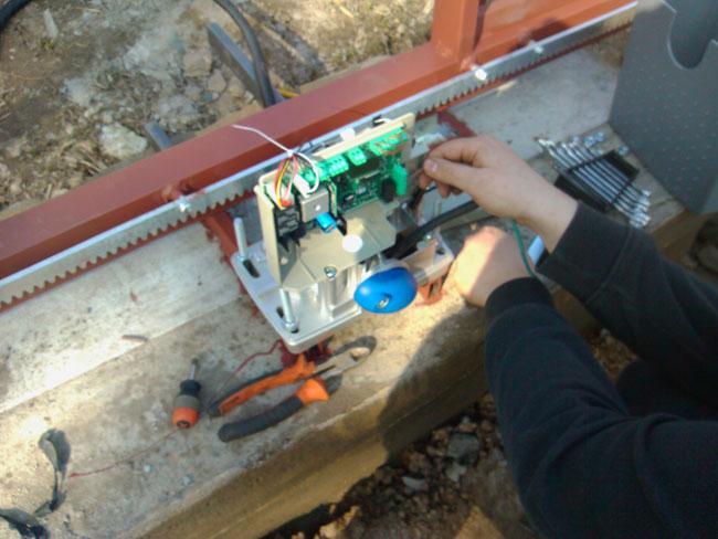 Подведение электричества к блоку управления