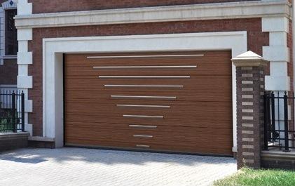 коричневые секционные ворота