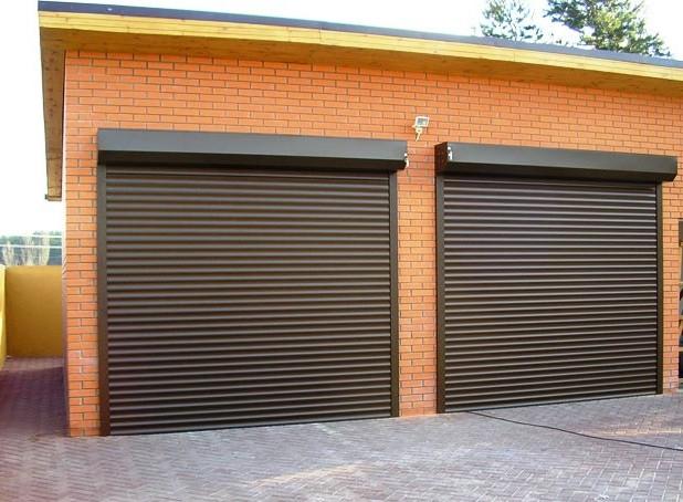 Преимущества роллетных гаражных ворот